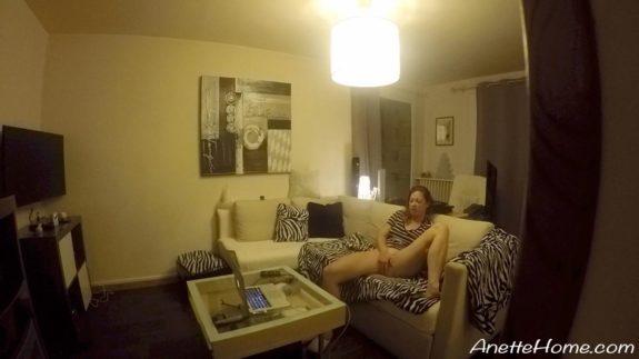 Sex på sofaen