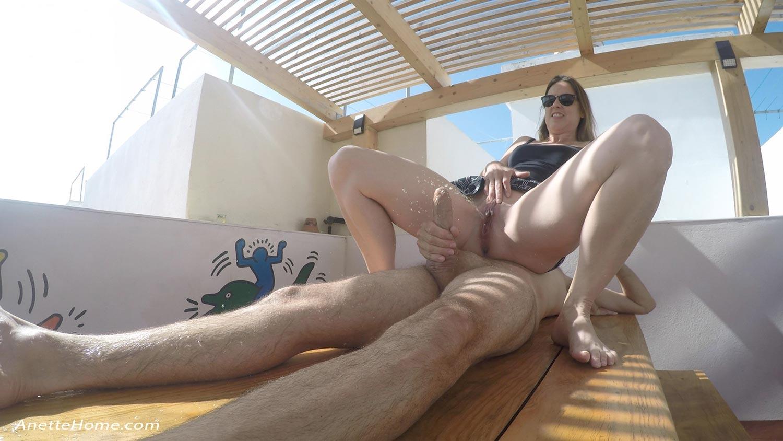 Urinsex på terrassen